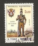 Sellos del Mundo : Africa : Santo_Tomé_y_Principe : uniformes militares, soldado de cazadores