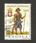 Stamps Africa - Angola -  uniformes militares, arcabucero