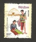 Stamps Vietnam -  traje típico de xtieng