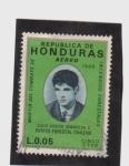 Sellos de America - Honduras -  Martir del combate de incendios forestales