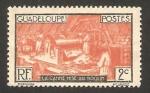 Stamps America - Guadeloupe -  trabajando la caña de azúcar