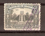 Sellos de America - Honduras -  RÉPLICA  DE  TEMPLO  MAYA