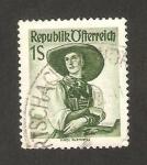 Stamps : Europe : Austria :  801 - traje regional del Tirol, Pustertal