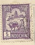 Stamps Vietnam -  Arando el campo