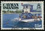 Sellos de Europa - Reino Unido -  Islas Caimán. Turistas buceando.