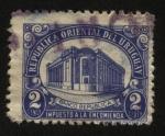 Sellos de America - Uruguay -  Impuesto a la encomienda. Edificio del Banco República en la Ciudad Vieja.
