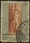Stamps Uruguay -  Representación de Ariel, alusivo a la obra del mismo nombre,  en el monumento al gran escritor urugu