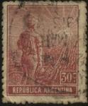 Sellos de America - Argentina -  El labrador surcando la tierra con arado de mano.
