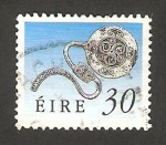 Stamps : Europe : Ireland :  Broche esmaltado