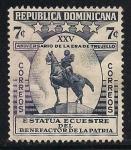 Stamps America - Dominican Republic -  ESTATUA DE Rafael Leónidas Trujillo Molina.