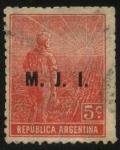 Sellos de America - Argentina -  Sol naciente, labrador surcando la tierra con arado de mano. Sobreimpreso M. J. I.  Ministerio de Ju