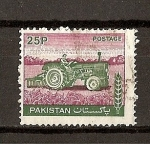 Stamps Asia - Pakistan -  Serie Basica / Tractor.