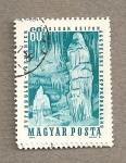 Stamps Hungary -  Cueva con estalactitas