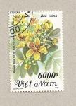 Sellos de Asia - Vietnam -  Flor Cassia surattensis