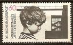 Sellos de Europa - Alemania -  Año internacional del niño (muchacho y edificio).