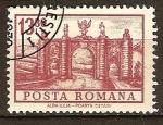 Sellos de Europa - Rumania -  Puerta del castillo en Alba Iulia.