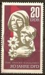 Sellos de Europa - Alemania -  Aniv 20 de Federación de Mujeres Democráticas alemanes. Madre y el Niño(DDR)