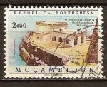 Sellos de Africa - Mozambique -  400a Aniv de la visita Camoens 'a Mozambique. Capilla de Nuestra Señora de Baluarte (horiz)