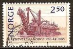 Sellos de Europa - Noruega -  250a Aniv de Autoridades Portuarias y el Bicentenario de la hidrografía en Noruega. Berghavn (draga)