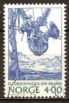 Sellos del Mundo : Europa : Noruega : Centenario de la electricidad en Noruega. Hombres trabajando en cable aéreo.