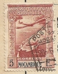 Stamps Africa - Mozambique -  Avión