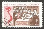 Stamps : Asia : Vietnam :  2 - Elecciones Generales, electores delante de la urna