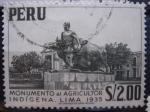 Sellos del Mundo : America : Perú : Monumento al agricultor indígena