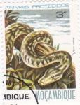 Sellos de Africa - Mozambique -  animales protegidos-Python sebai