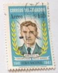 Stamps America - Ecuador -  HOMENAJE AL TENIENTE HUGO ORTIZ GARCES