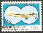 Sellos de Africa - Mozambique -  Avión