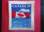 Stamps Canada -  Bandera de Canadá - Bandera de Canadá  sobre las Nubes