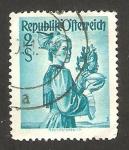 Stamps Austria -  752 - traje típico de Haute