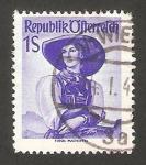 Stamps : Europe : Austria :  750 - Traje típico de Tirol, Pustertal
