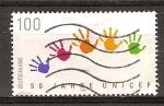 Sellos del Mundo : Europa : Alemania : 50a Aniv de UNICEF (Impresiones en color de manos de los niños).