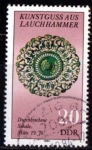 Sellos de Europa - Alemania -  2506 - Broche del siglo XIX