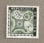 Stamps Africa - Niger -  Sello fiscal: Cruz de Agadez
