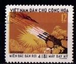Sellos de Asia - Vietnam -  Avión de EEUU derribado