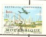 Stamps Africa - Mozambique -  refineria de petroleo