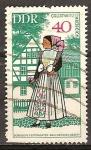 Sellos de Europa - Alemania -  Trajes de fiesta - sorabo (DDR).