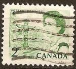 Sellos de America - Canadá -  La Reina Isabel II y el Tótem Pole.