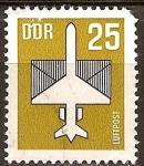 Sellos de Europa - Alemania -  Correo aéreo.Avión y el sobre (las alas son parte de la dotación)DDR