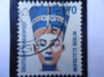 Stamps Germany -  Cabeza de Nefertiti- Museo Egipcio de Berlín.