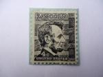 Sellos de America - Estados Unidos -  Abraham  Lincoln (1809-1865) decimosexto presidente de Estados Unidos.
