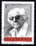 Stamps : Europe : Hungary :  El nacimiento de Mariska Gardos 90 aniversario