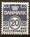 Sellos del Mundo : Europa : Dinamarca : Lineas onduladas.Numeral.