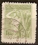 Sellos del Mundo : Europa : Checoslovaquia : Mujer y Gavilla de maíz.