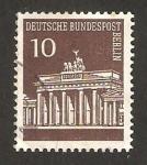 Sellos de Europa - Alemania -  Berlin - 257 - Puerta de Brandeburgo
