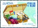 Sellos de Europa - Italia -  2605 - EUROPA - Maleta abierta