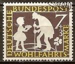 Sellos de Europa - Alemania -  Bienestar: Los cuentos de los hermanos Grimm (El dinero llovido del cielo).