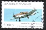 Sellos del Mundo : Africa : Guinea : Piper PA-28 Cherokee Arrow